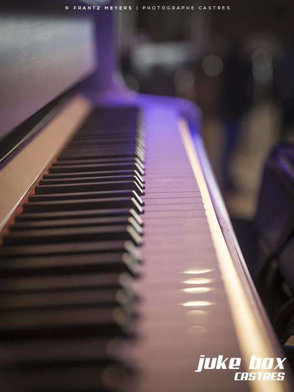 Éclairage piano foire de Castres